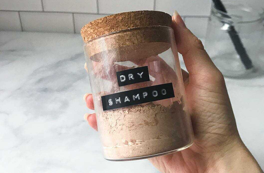 Diy Dry Shampoo Makes Your Hair Smell Like A Brownie